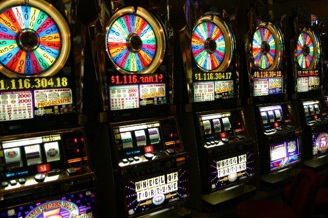 Играть в игровая машина Moonlight (Лунный Свет) - онлайн игры на деньги!