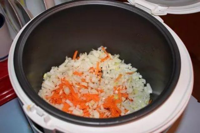 Гречка с морковью и луком в мультиварке