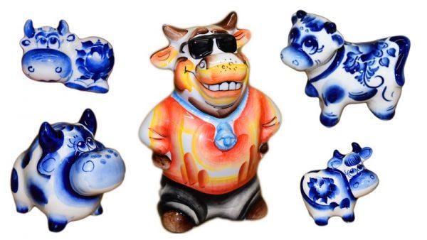 Сувениры символы года Быка из фарфора с гжельской и цветной росписью